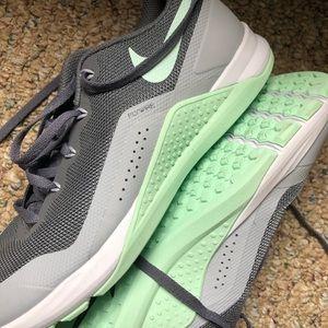 Nike met cons